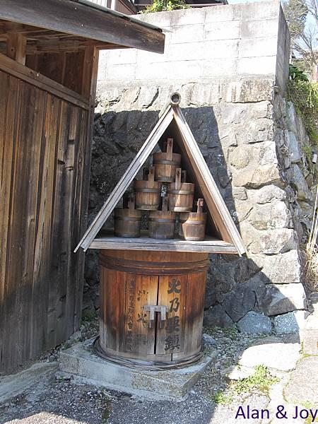 30.古色古香的日本老消防設備