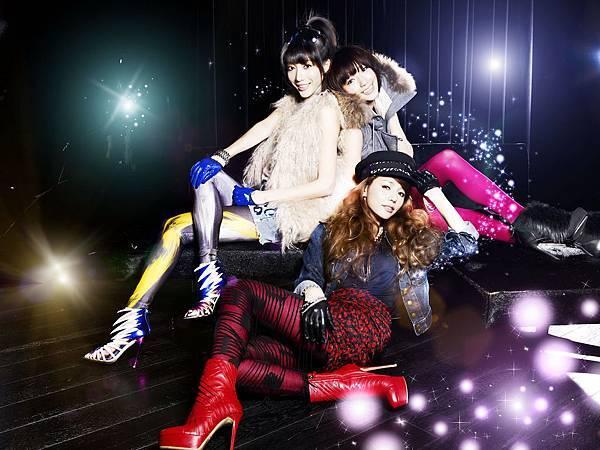 Dream Girls宣傳照供不應求花百萬日本拍宣傳照2011.5.23.jpg