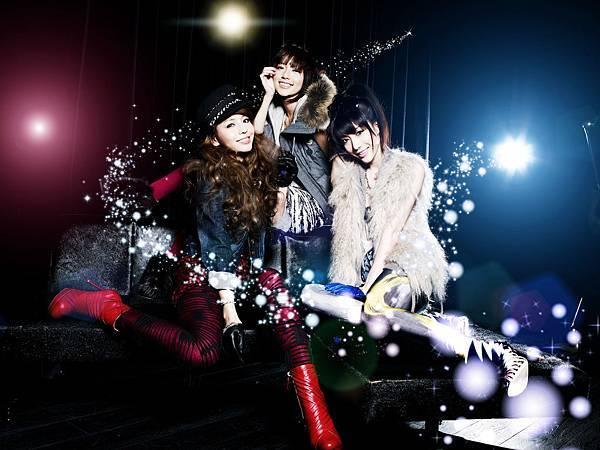 Dream Girls宣傳照供不應求花百萬日本拍宣傳照2011.5.23 (1).jpg