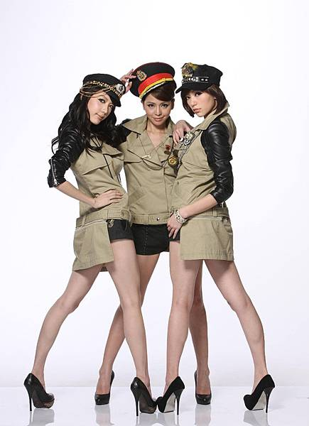 Dream Girls最新造型軍裝 (1)小.JPG
