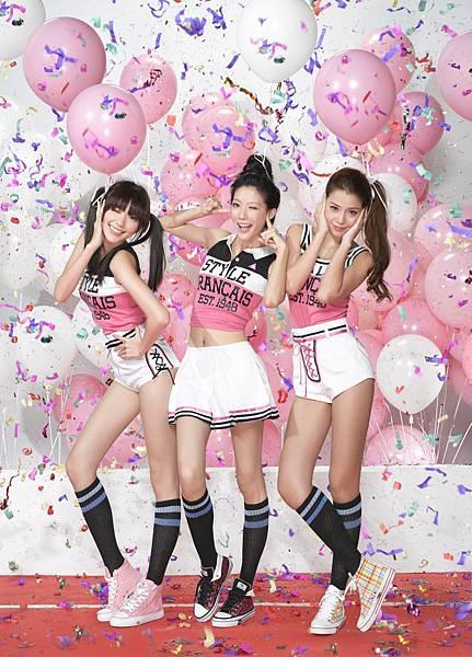 Dream Girls為所代言的Piipiinoo休閒鞋拍攝宣傳照.jpg