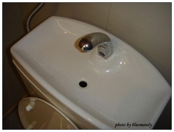 休息站裡的廁所