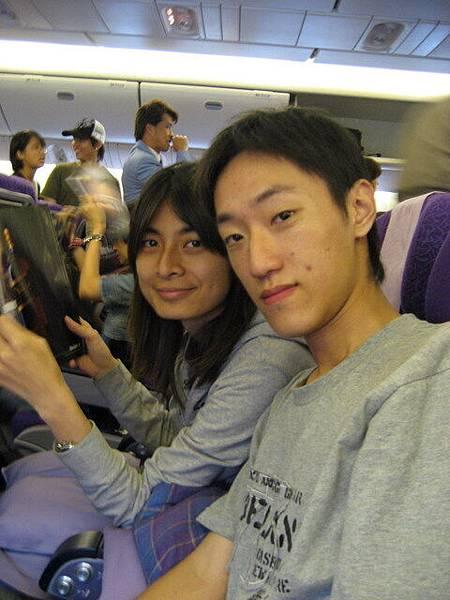 親密的夥伴Kent跟Joyce,一起飛到澳洲