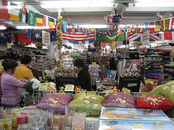 澳洲也有這種十元商店式的超親切小店