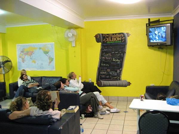 客棧裡的公共空間TV room