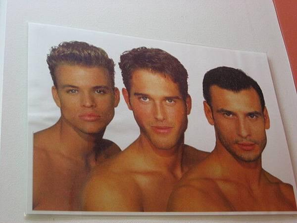 我要剪髮了,Gemma居然叫我參考這種海報..