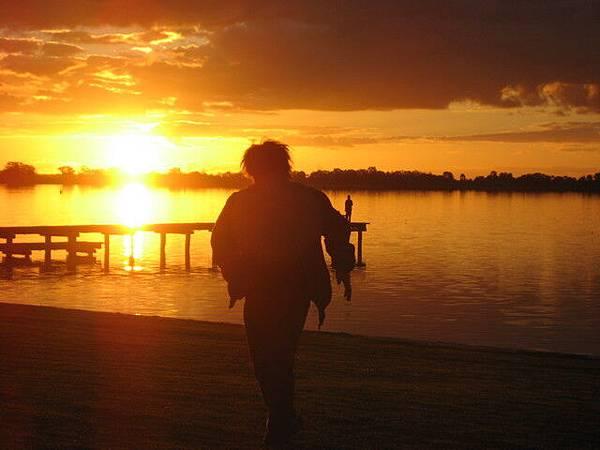夕陽中奔跑的少年--Nelson