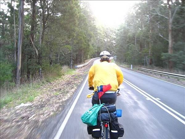 往山林飆去,大洋路的景色多變,騎車才能完全融入