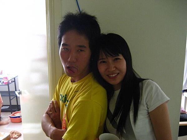 韓國大房友Jay跟他的女友,我要走了,所已開始亂照了
