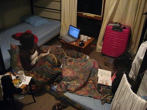 本家旅館有提供免費住宿的房間,品質還不錯喔