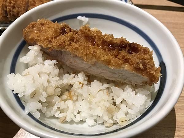 飯與肉.JPG