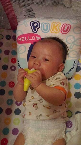 弟弟吃香蕉
