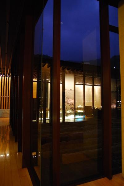 走廊夜景.jpg