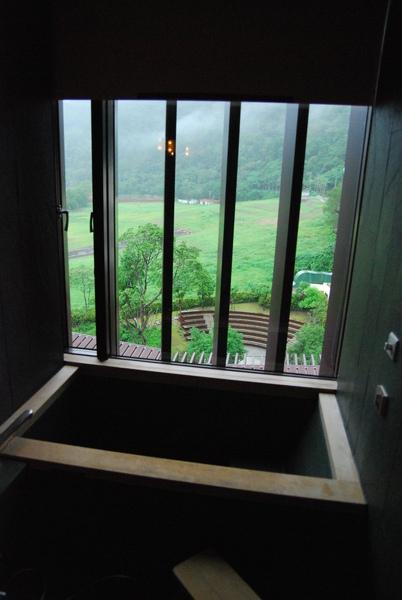 房內浴池.jpg