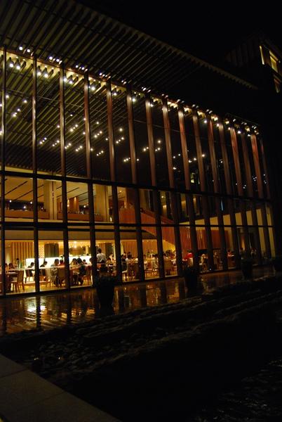 餐廳外夜景.jpg