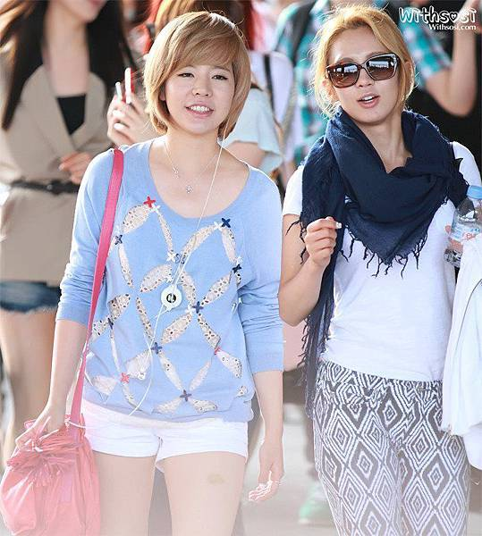 Sunny Hyoyeon-120610 Incheon Airport