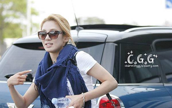 Hyoyeon-120610 Incheon Airport