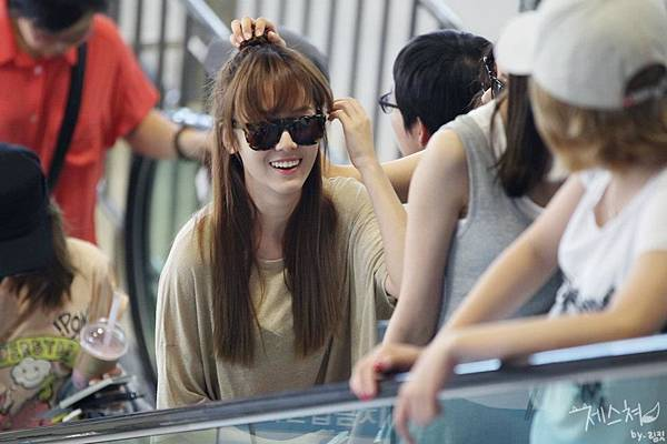 SeoHyun Jessica-120708 Gimpo Airport (Departure to Japan)