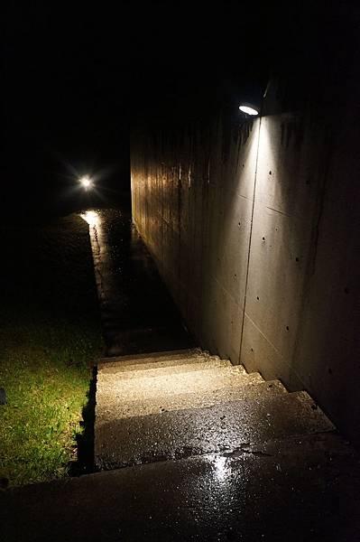 簡單的道路、簡單的燈光、不凡的感受