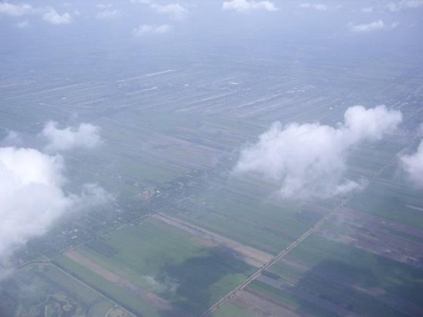 0104泰國上空雲之影.JPG