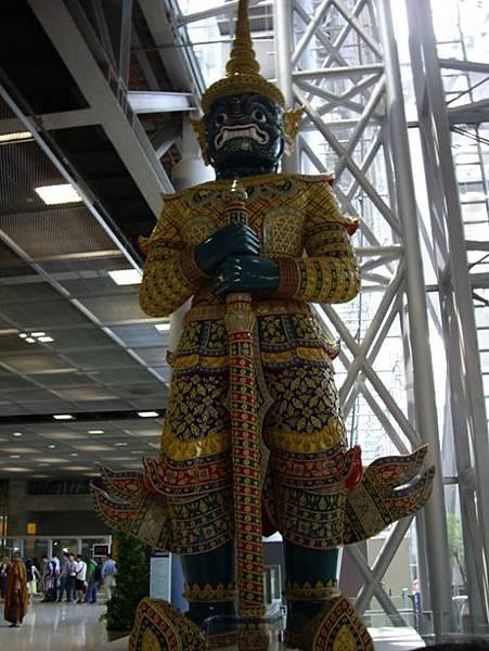 0105曼谷機場守護神.JPG