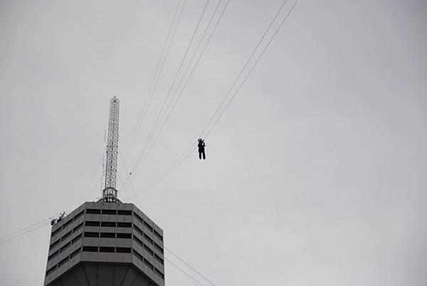 0208_55層自由落體往空中拍.jpg