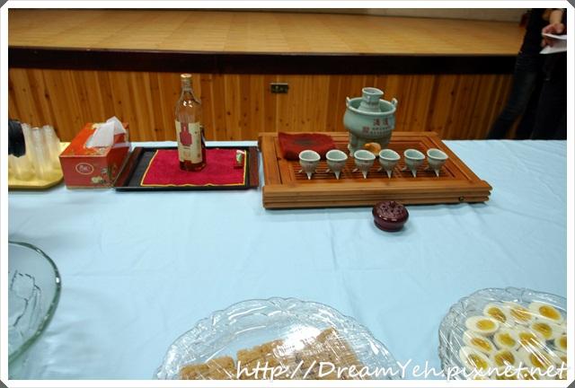 32主辦單位準備許多種酒給我們品嘗.JPG