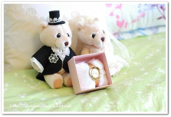 MANGO金色不鏽鋼手錶