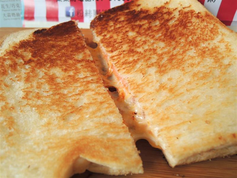 熱樂煎爆漿乳酪三明治038.jpg