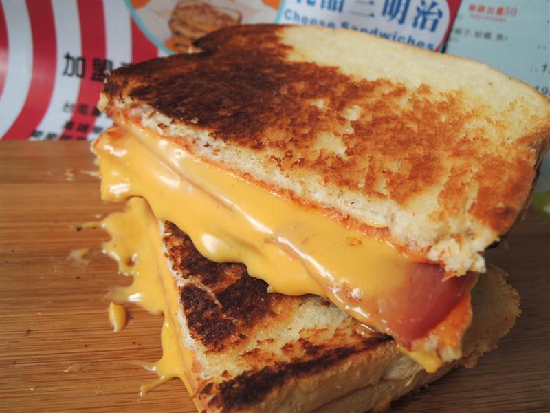 熱樂煎爆漿乳酪三明治053.jpg