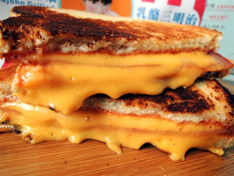 熱樂煎爆漿乳酪三明治055.jpg