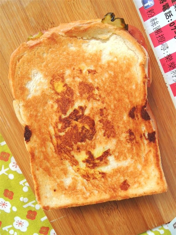 熱樂煎爆漿乳酪三明治064.jpg