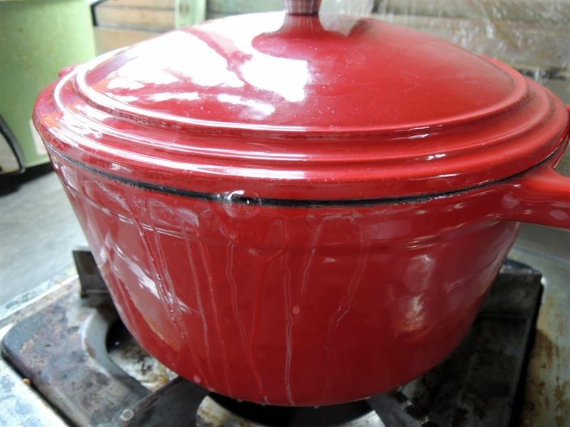 固鋼 瑰麗紅琺瑯鑄鐵鍋035.jpg