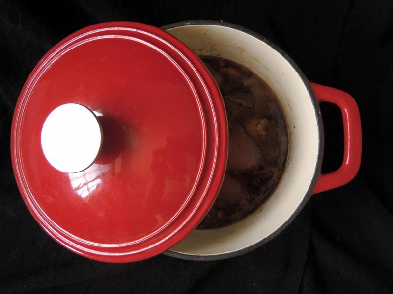 固鋼 瑰麗紅琺瑯鑄鐵鍋065.jpg