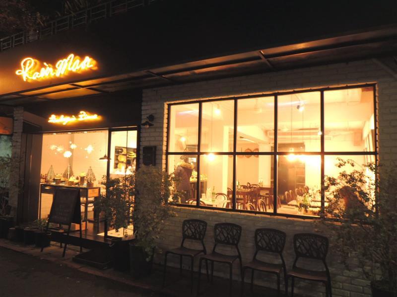 雨人麵包餐館001.jpg