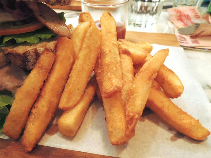 雨人麵包餐館033.jpg