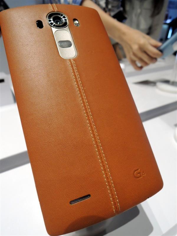 LG G4011.jpg