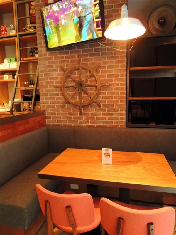 CAMPUS CAFE004.jpg
