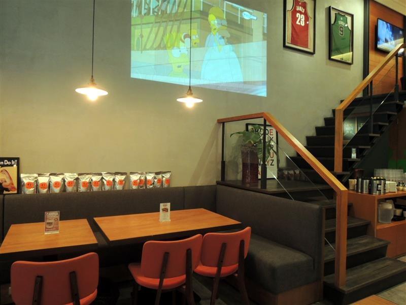 CAMPUS CAFE007.jpg
