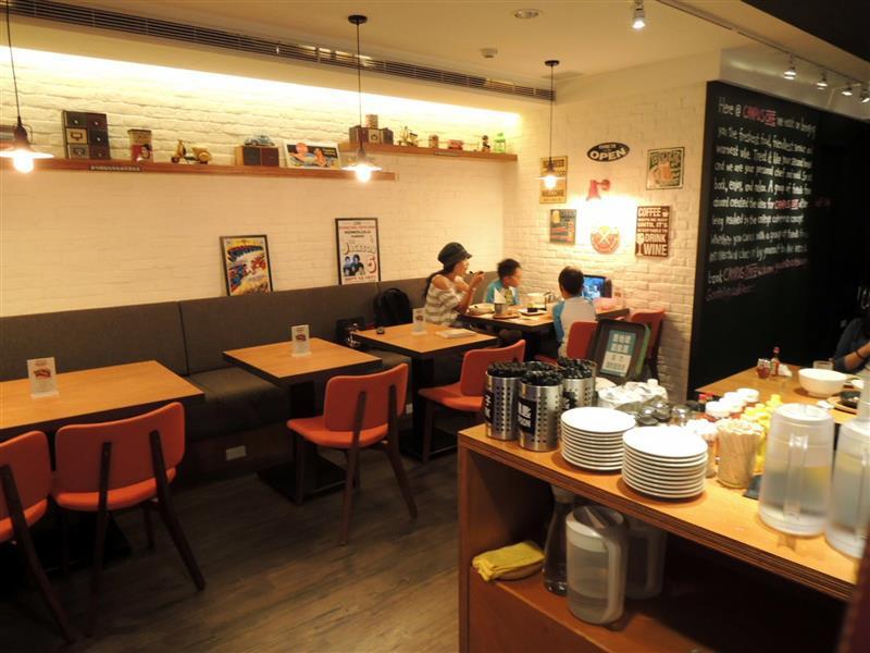 CAMPUS CAFE011.jpg