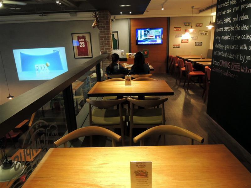 CAMPUS CAFE013.jpg