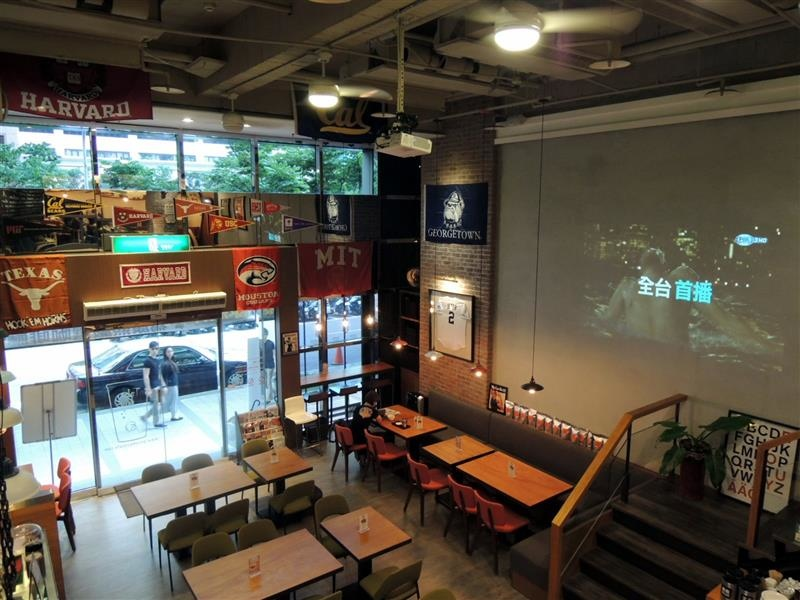 CAMPUS CAFE014.jpg