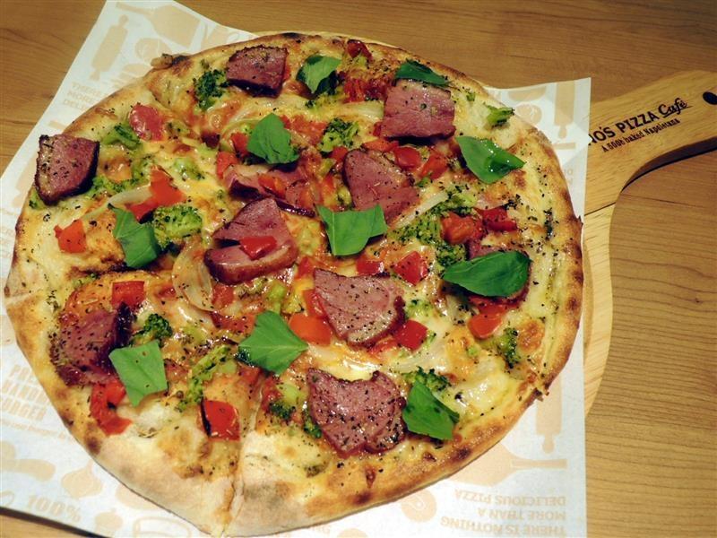 Tino's pizza026.jpg