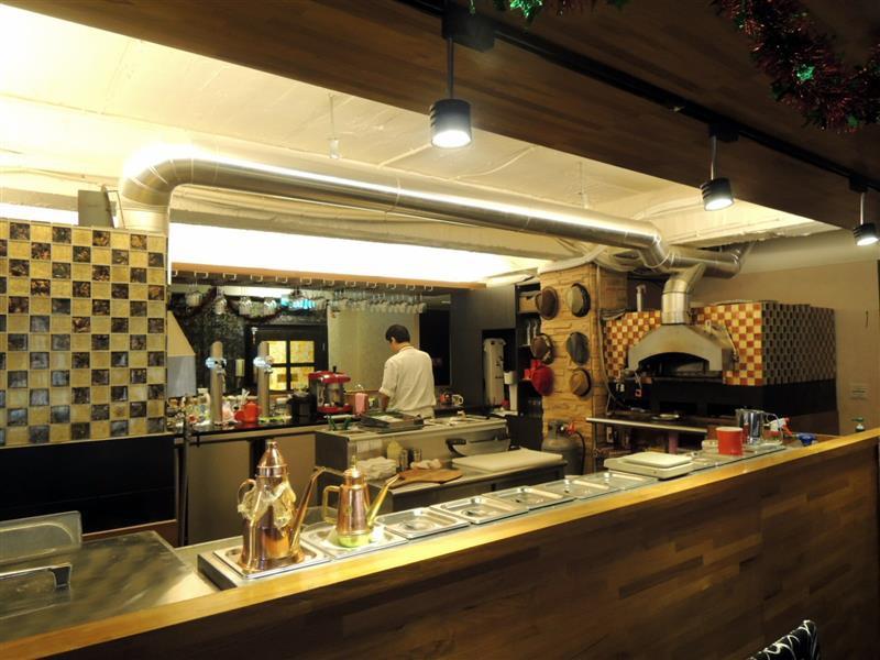 Milano Pizzeria 055.jpg