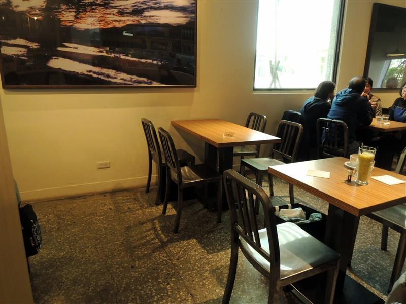Peace & Love Cafe 004.jpg