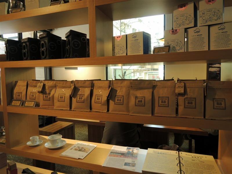Peace & Love Cafe 007.jpg