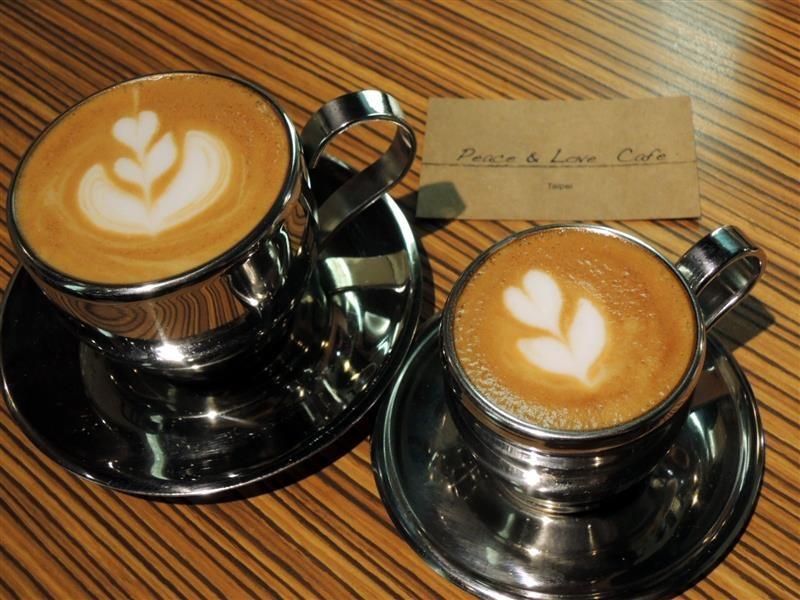 Peace & Love Cafe 049.jpg