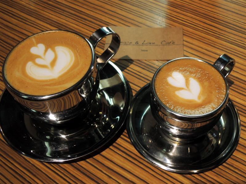 Peace & Love Cafe 047.jpg