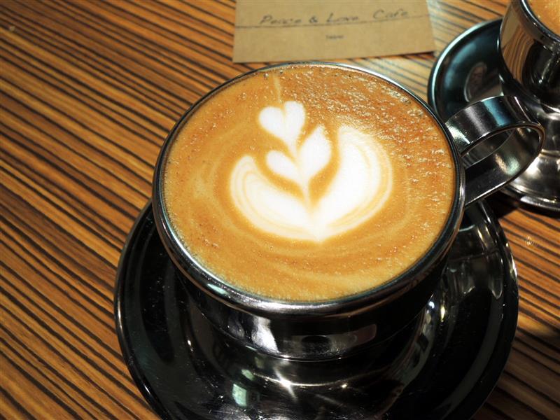 Peace & Love Cafe 050.jpg
