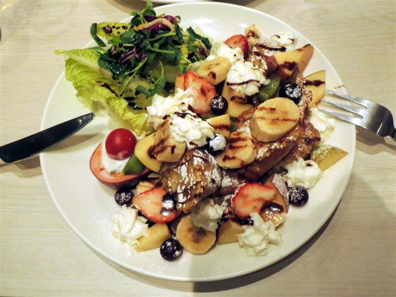 We & Me Cafe 038.jpg